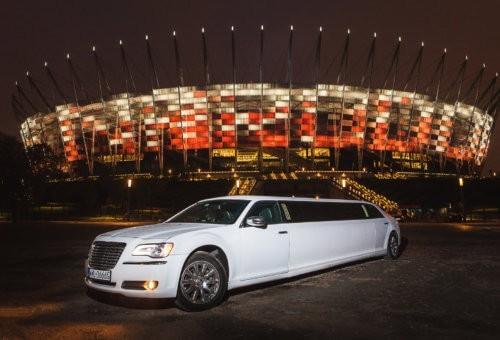 Biała limuzyna Chrysler 300C 1-12 pasażerów. Nowość 2018!