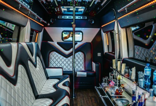 Party Bus Mercedes Sprinter Black 2019 rok  1-11 pasażerów